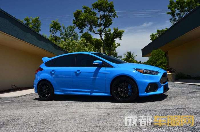 blue-ford-focus-with-paint-protection-wrap.jpg